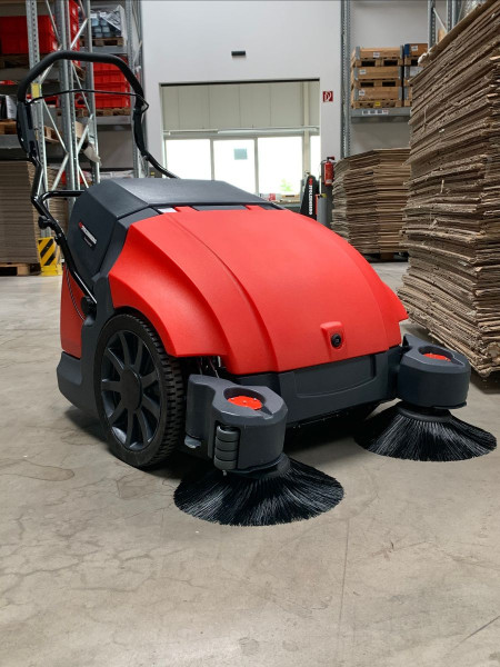 Kehrmaschine Twin Sweep 900 E